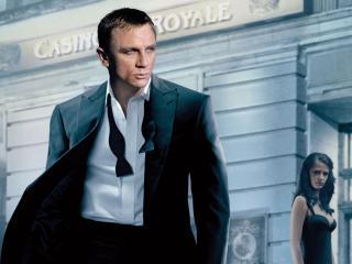 Daniel Craig as James Bond wallpaper wallpaper