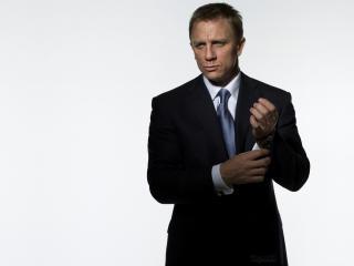 Daniel Craig In Suit Pics wallpaper