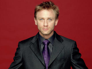 Daniel Craig In Suit wallpapers wallpaper