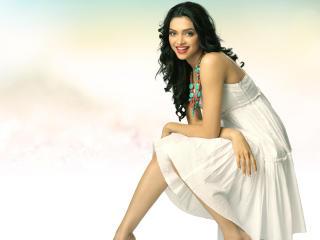 Deepika Padukone In White Wallpaper wallpaper