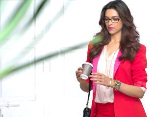 Deepika Padukone Vogue Eye Wear Hd Pics wallpaper