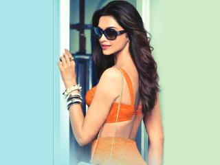 Deepika Padukone Vogue Eye Wear Wallpapers wallpaper