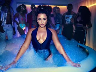 Demi Lovato Swimsuit Photoshoot wallpaper