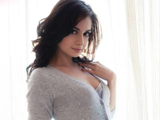 Dia Mirza in Hot Nighty wallpapers wallpaper