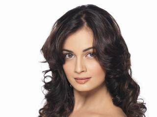 Dia Mirza In White Dress  wallpaper