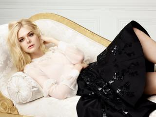 Elle Fanning LOreal Paris 2017 wallpaper