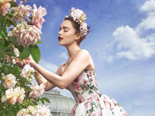 Emilia Clarke Harper Bazaar Photoshoot 2017 wallpaper