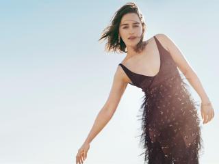 Emilia Clarke in Outdoor Sun Light Photoshoot wallpaper