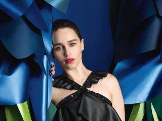Emilia Clarke The Wrap 2017 wallpaper
