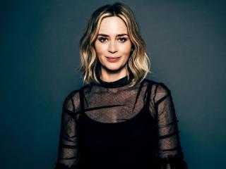 Emily Blunt New Actress 2021 wallpaper