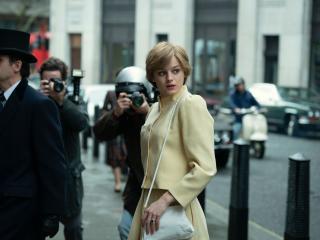 Emma Corrin as Princess Diana in The Crown 4 wallpaper