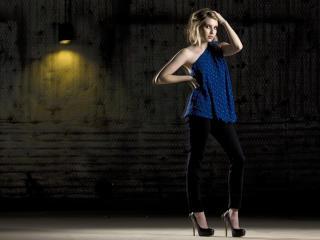 Emma Roberts New Images wallpaper