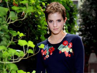 Emma Watson Having Small Hair  wallpaper