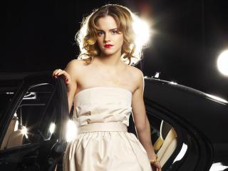 Emma Watson In White Dress wallpaper wallpaper