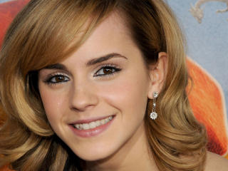 Emma Watson New Look Smile wallpaper