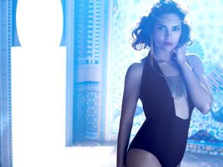 Esha Gupta In Black Dress HD Pics wallpaper