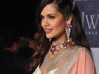 Esha Gupta Latest Images wallpaper