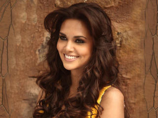 Esha Gupta Latest Wallpaper wallpaper