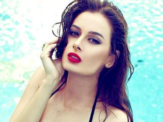 Evelyn Sharma Sexy Red Lips HD Wallpaper wallpaper