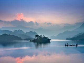 Foggy Lake 8K wallpaper