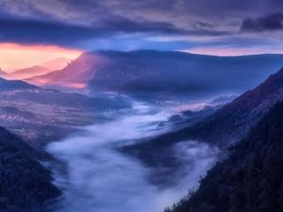 Fogy Spain Valley wallpaper