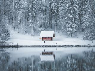 Frozen Winter House wallpaper