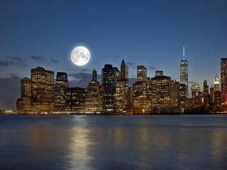 Full Moon over Manhattan wallpaper