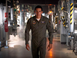 Gabriel Luna In Terminator Dark Fate wallpaper