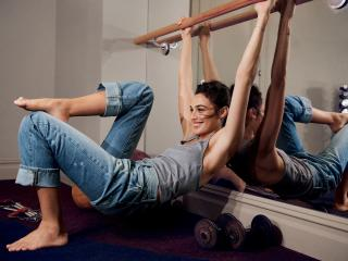 Gal Gadot Cute Work Out Photoshoot In Gym wallpaper