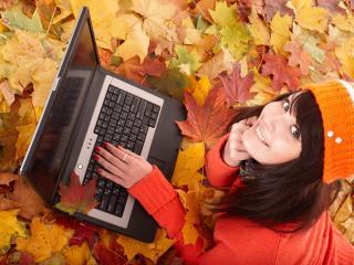 girl, laptop, autumn wallpaper