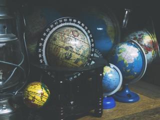globes, geography, shelf wallpaper