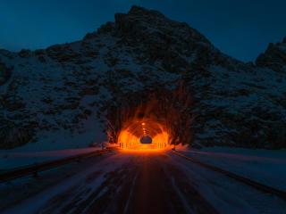 Glowing HD Tunnel wallpaper