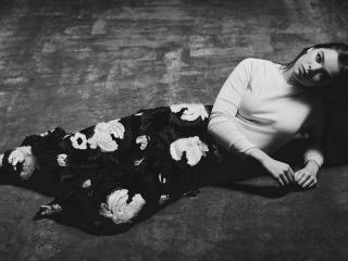 Hailee Steinfeld Monochrome Black & White wallpaper