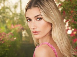 Hailey Rhode Bieber Face wallpaper
