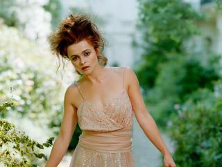 Helena Bonham Carter Cleavage Images wallpaper