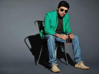 Himesh Reshammiya HD Pics In Specs wallpaper