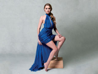 Hot Amber Heard In Blue wallpaper