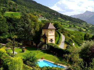 house, swimming pool, mountain wallpaper
