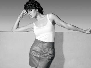 Jacqueline Fernandez Wallpaper Download wallpaper