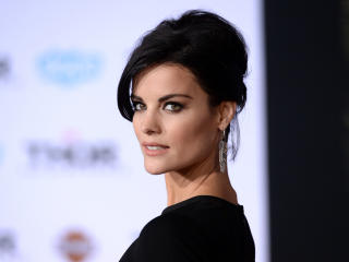 Jaimie Alexander Smile Pic wallpaper