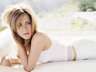 Jennifer Aniston Cute Pic wallpaper