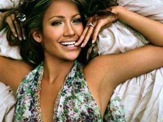 Jennifer Lopez Charming Smile wallpapers wallpaper