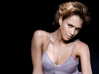 Jessica Alba Short Hair Look wallpaper