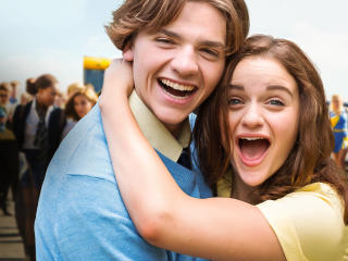 Joey King & Jacob Elordi The Kissing Booth wallpaper