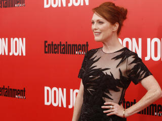 Julianne Moore On Stage Images wallpaper