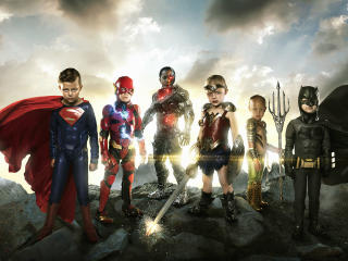 Justice League Small Heroes Babys wallpaper