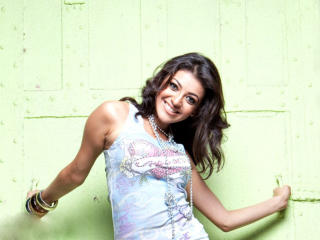 Kajal Aggarwal Sweet Smile Pics wallpaper