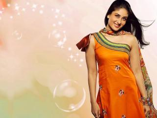 Kareena Kapoor Cute In Orange wallpaper