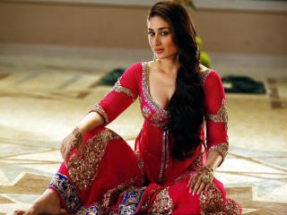 Kareena Kapoor In Saree  wallpaper