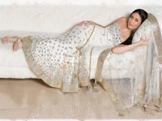Kareena Kapoor sexy photos wallpaper